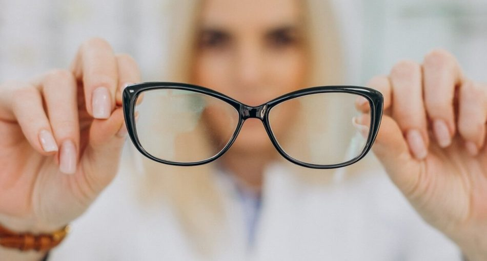 What to Consider While Buying Prescription Glasses